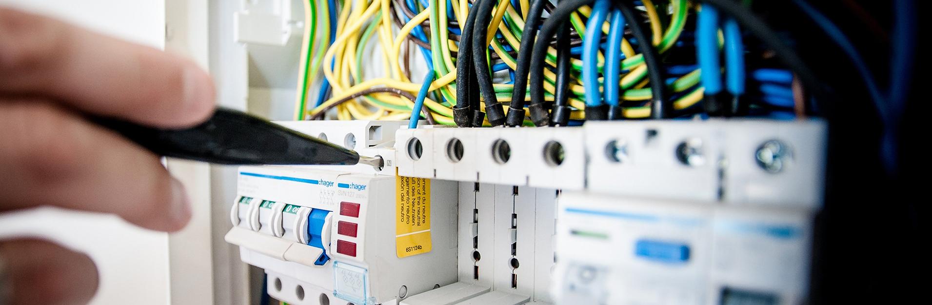 MTE sprl - Electricité générale - Eclairage - Domotique - Parlophonie